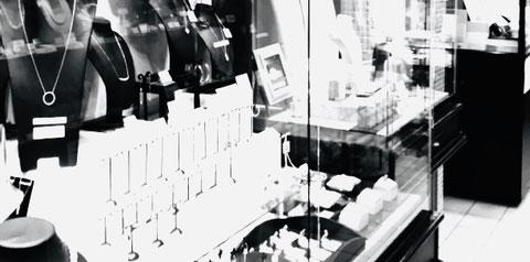 大阪・本町堺筋本町1船場センタービル 宝石店「ジュエリーローラン」
