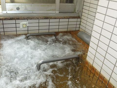 下田温泉 マッサージ風呂