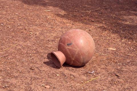 potiche (image insolite de l'Afrique)