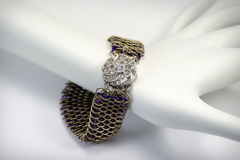 Mini Dragonscale with jeweled clasp