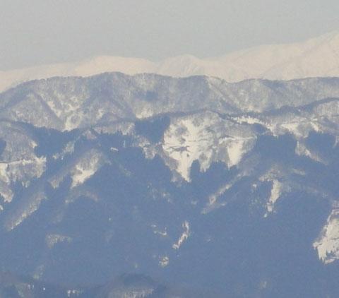 剣ヶ岳に出来る恐竜の雪形
