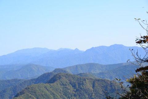 冠山はいつ見ても凛々しいなぁぁ!近いうちに登りに行こうか・・・