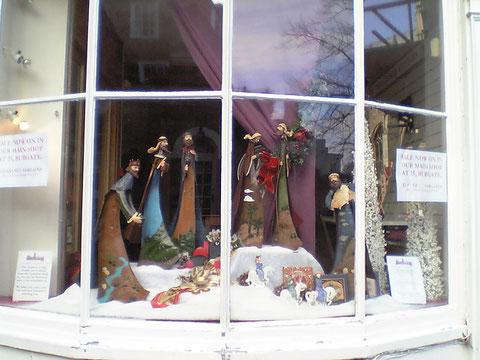 窓際にあったクリスマスの装飾 この感じは日本に無いですね