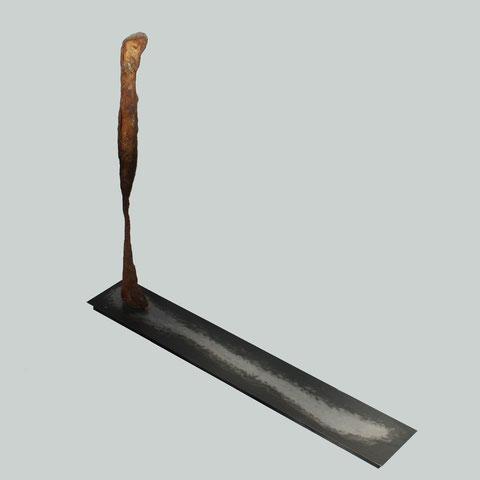 """""""L'Homme et son Ombre 1 (2013)"""" - """"The Man and his Shadow 1 (2013)"""" - Acier, oxydes, vernis, bois - Hauteur : 60cm - Largeur : 11cm - Longueur : 70cm - Collection de l'artiste"""