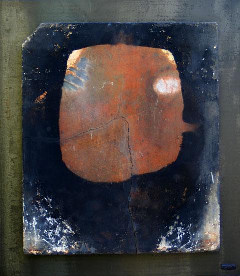 Terre cuite refractaire enfumée sur plaque d'acier  - Hauteur : 66cm - Largeur : 58cm - Collection de l'artiste