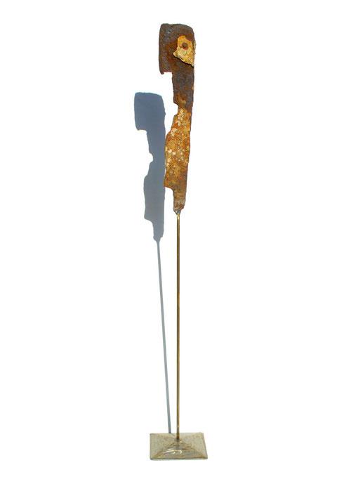 Acier oxydé soclé sur tige d'acier - Hauteur : 88cm - Collection de l'artiste
