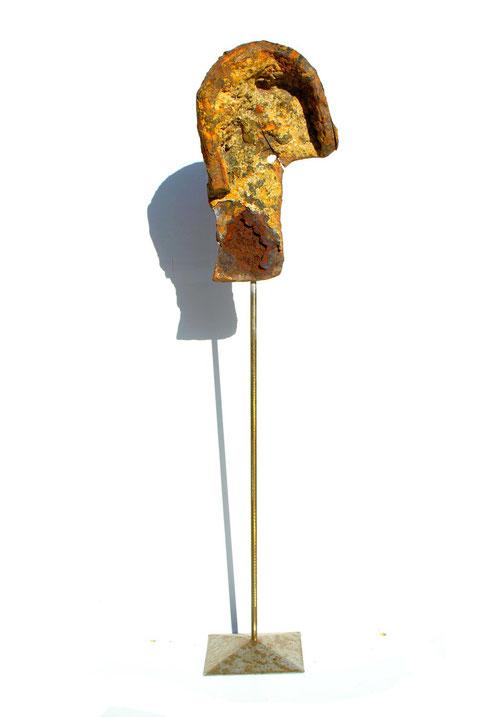 Acier oxydé soclé sur tige d'acier - Hauteur : 75cm - Collection de l'artiste