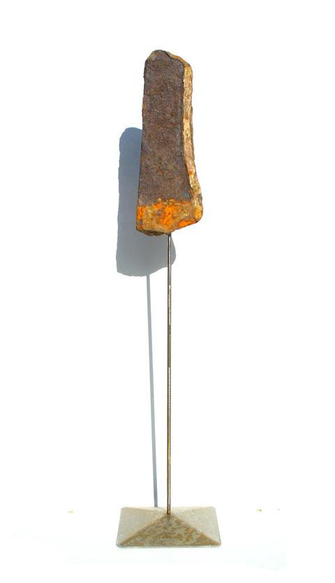 Acier oxydé soclé sur tige d'acier - Hauteur : 71cm - Collection de l'artiste