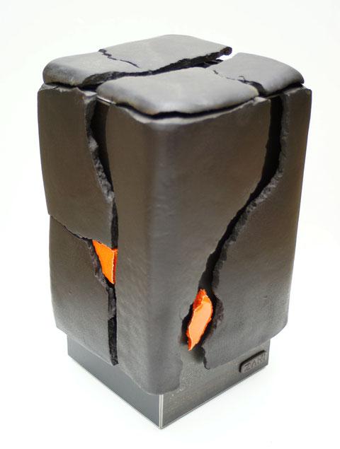 Terre cuite émaillée sur plaque d'acier - Hauteur : 45cm - Largeur : 20cm - Profondeur : 20cm - Collection Privée (France)