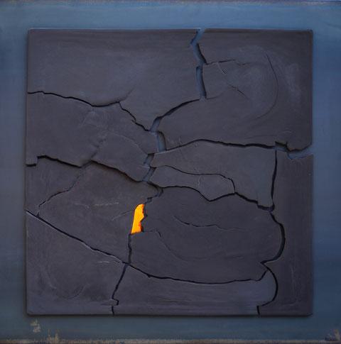 Terre cuite émaillée sur plaque d'acier - Hauteur : 100cm - Largeur : 100cm - Disponible à la vente