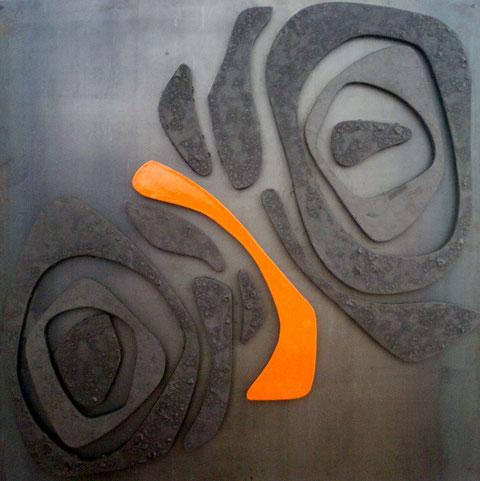 """""""Rencontre Abstraite"""" - Terre cuite émaillée sur plaque d'acier - Largeur : 125cm - Hauteur : 125cm - Profondeur : 3cm - Pièce disponible à la vente"""