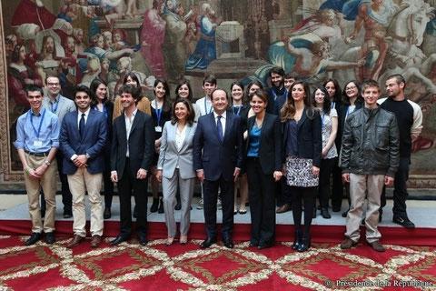 Nicole Guedj et la Délégation 2014, reçus à l'Elysée par le Président François Hollande, samedi 26 avril 2014
