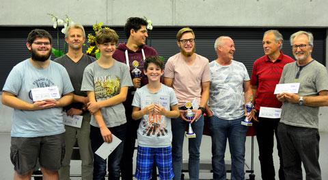 Llinks bis rechts: Nico Schepers, Thomas Fischer, Benjamin Hirt, Mauro Boffa (Rang 2), Maximilian Wehrle, Gregor Haag (Sieger), Heinz Wirz (Rang 3),  Thomas Brunold, Anton Kym