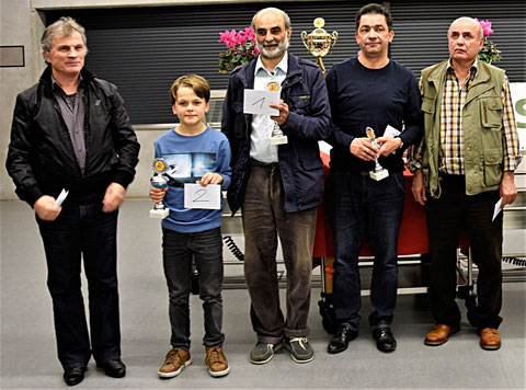 Rheinfelden, 11. 11. 2017, von links:  FM Mahmut Xheladini (5. Rang), Leopold Wagner (2. Rang), IM Ali Habibi (Sieger), Michele Di Stefano (3. Rang), FM Nikolj Melkumjanc (4. Rang)