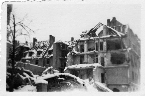 Luitpoldstraße und Ruine Westendapotheke
