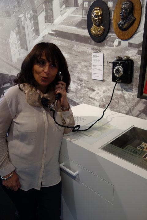 """Telefonieren mit dem """"Wand-Iphone""""......"""