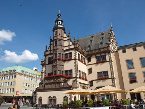 Rathaus mit Aposto-Terrasse