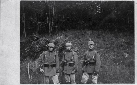 Ein Soldat des 2. Ersatzbataillons teilt am 7.6.1916 mit, dass er am kommenden Freitag mit seinem Vater nach Aidhausen kommen werde (siehe Rückseite unten)