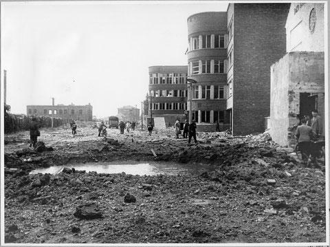 rechts Fichtel&Sachs - ganz im Hintergrund der Bunker A8 - Kriegszeit