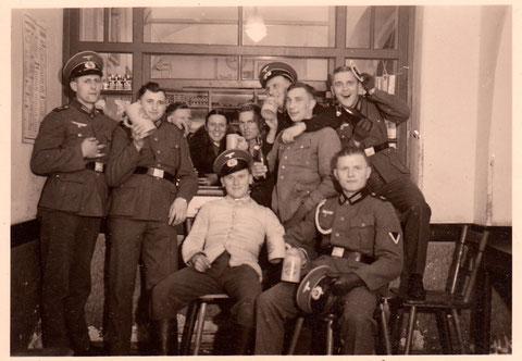 """Während des """"Dritten Reichs"""" in der Gaststätte Gambrinus - Danke an Yüksel Tas"""