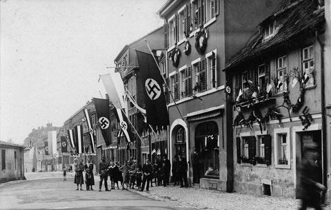 Bauerngasse/ Am Zeughaus im Dritten Reich  - links Anbau des Zeughauses zu erkennen