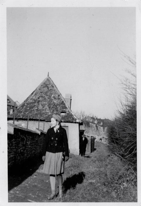 Schweinehirtenturm am Höpperle 1940 - Danke an Frau Elfriede Leubner (im Bild)
