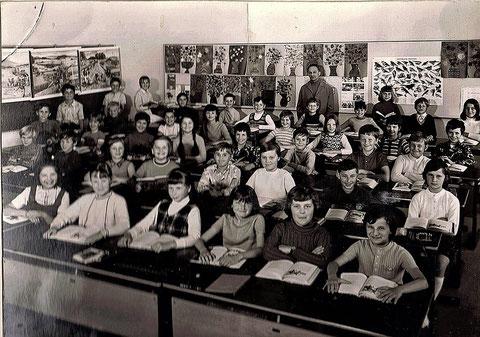 4. Klasse in der Gartenstadtschule 1972/73 mit Lehrer Herrn Jelitto - danke an Gregor Hofmann