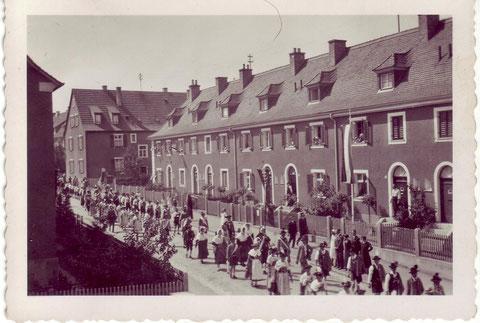 Marsstraße 16 - 26 in den 1930ern - Danke an Jürgen R. Hugel - vergrößern!