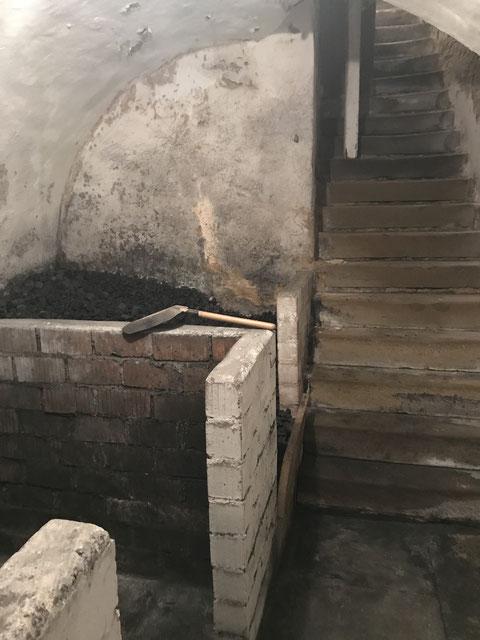 Der erste Keller wurde als Kohlekeller genutzt