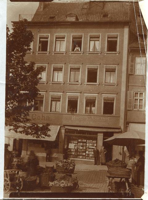 Markt 25 ca. 1905-1910 - Cohn Herren- und Knabenkonfektion und Giegler Buchhandel
