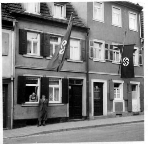 Wolfsgasse 43 u. 45 - Juli 1937 - Aufgenommen während des Gausportfestes - Danke an Karin Trommer