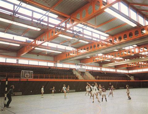 Zahlreiche moderne Sporthallen dienen nicht nur den dschulen sondern auch den Sportvereinen