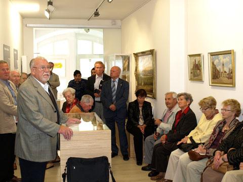 Eröffnung des Museums am 22. 09. 2012, links der Vorstandsvorsitzende der Stiftung Saazer Heimatmuseum, Dr. Gerhard Illing aus Schweinfurt