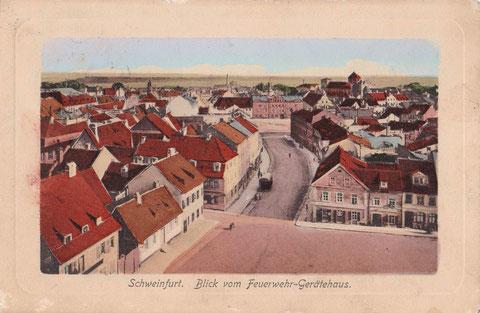 Blick vom Feuerwehrturm neben dem Zeughaus auf Manggasse und Roßmarkt mit Bauschhaus , dahinter Hl-Geist-Kirche mit kurzem Turm - um 1902
