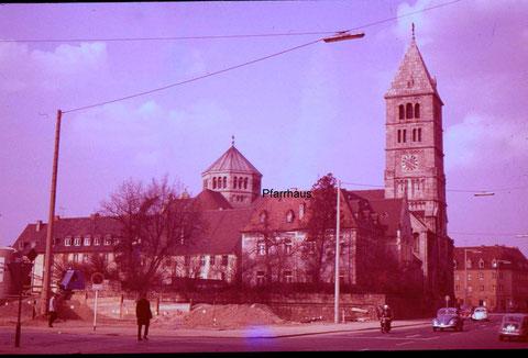Heilig-Geist-Kirche und Stadtmauer bei Bau der Tiefgarage Horten (heute Kaufhof)