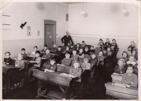 1953 mit Lehrer Georg Hofmann