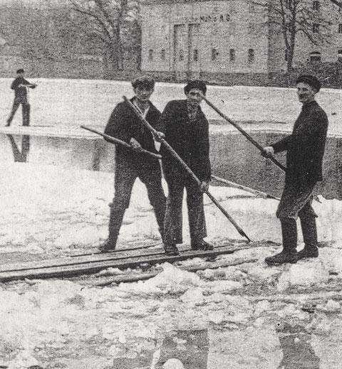 Beim Eisbrechen im Jahre 1929 auf dem Main - Foto: Archiv Edgar Kolb