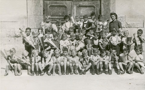 1949 1. Klasse Ludwigschule Lehrerin Frl. Fischlein - Danke an Wieland Schätzlein