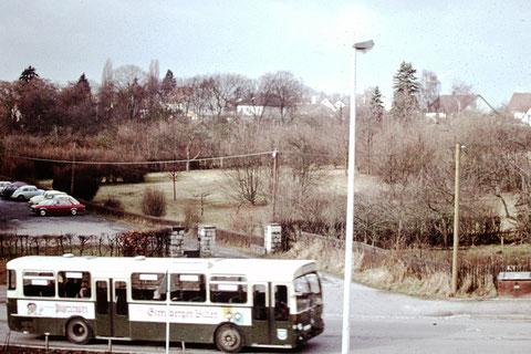 1974 - Einfahrt Kinderklinik Leopoldinakrankenhaus - Danke an Christel Feyh - Fotograf Helmut Feyh