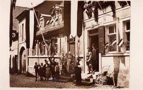 Judengasse 20/18 (rechts) - 1. Mai 1933 - Danke an Familie Werner