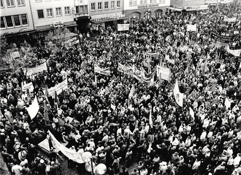 Demonstration der Gewerkschaften auf dem Marktplatz