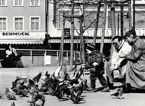 Alter Postplatz (Georg-Wichtermann-Platz) mit Salamander