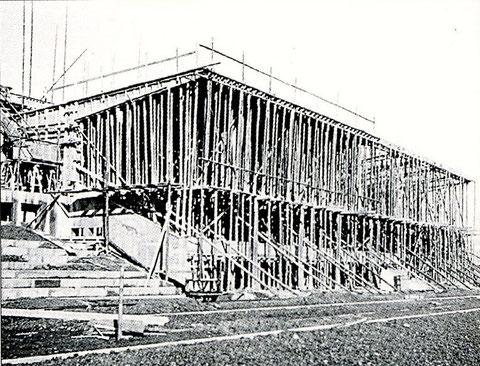 Der Bau der Tribüne 1935