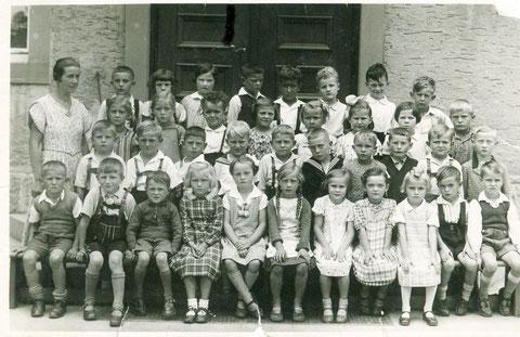 Evangelische Schulklasse 1937 (gemischt Mädchen u. Jungen) 1937 Schweinfurt-Oberndorf - danke für dieses Foto an Rudi Christ!