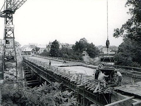 Baufirma Riedel beim Bau der Maxbrücke
