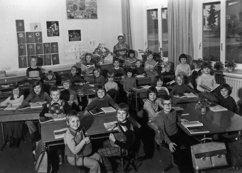 2. Klasse 1974/75 Lehrerin: Frau Weber - Danke an Tanja LeBlanc