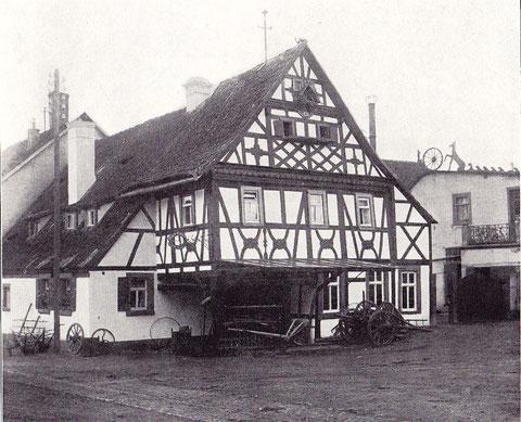Haus-Nr. 46 Wohnhaus mit Schmiede im Fachwerkstil erbaut 1620