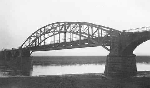 Eisenbahnbrücke über den Main 1932 - Danke an Holger Meyer