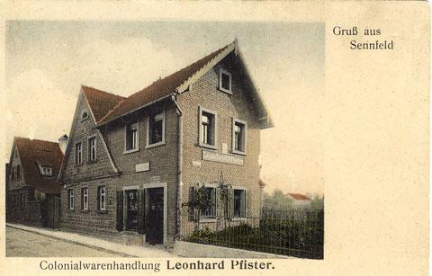 Kolonialwarenhandlung Leonard Pfister, heute Druckerei Kress. Koloriertes Foto um 1920