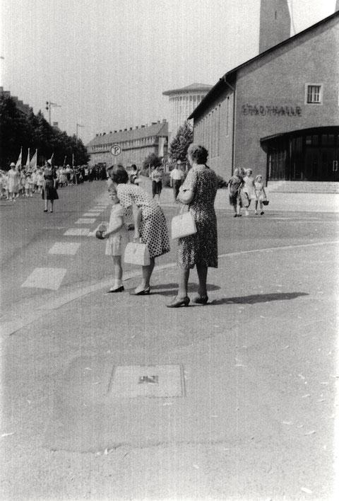 Friedrich-Ebert-Straße - Fronleichnamsprozession ca. 1960